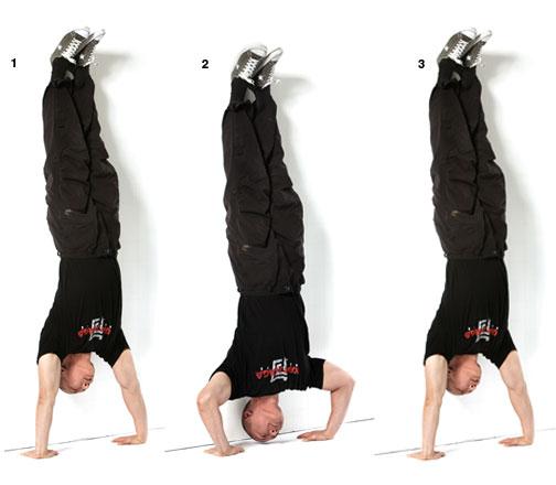 necesito fortalecer mis hombros ayuda porfavoor !!!  Combat_fit_john_whitman_a